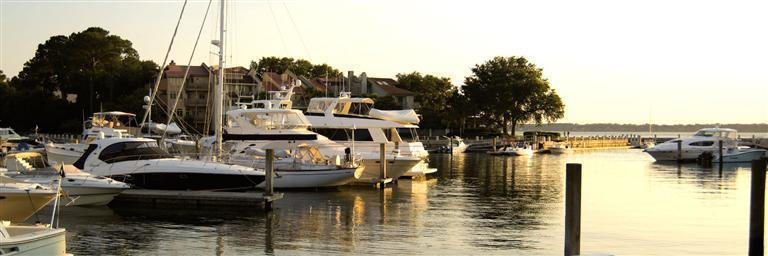 DOCKAGE AT HARBOUR TOWN YACHT BASIN