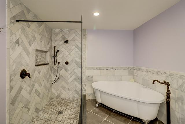 1-Harleston-Green--Master-Bathroom-12911-big.JPG