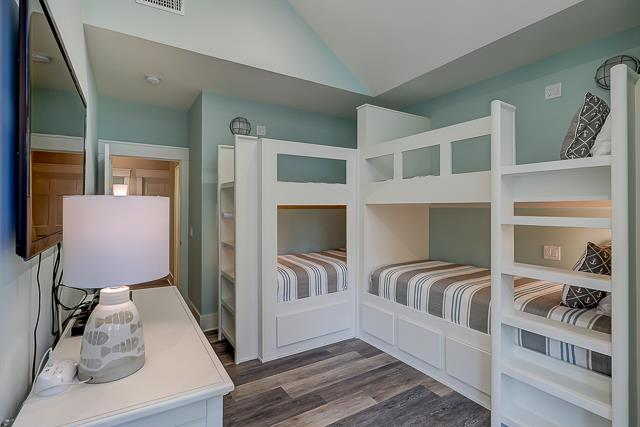 10-Laughing-Gull-Bunk-Bed-and-Twin-Bedroom-13796-big.jpg