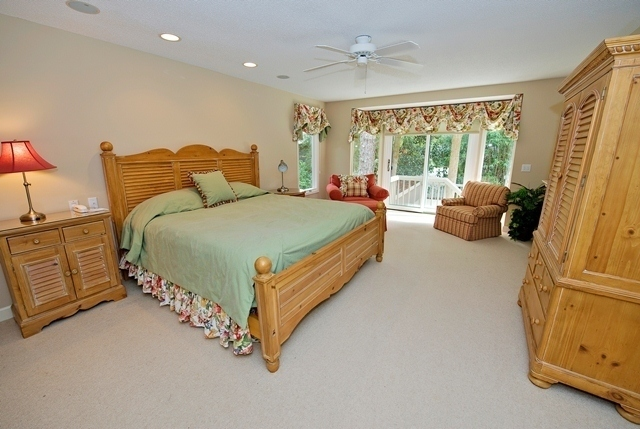 10-Red-Cardinal--Master-Bedroom-2980-big.jpg