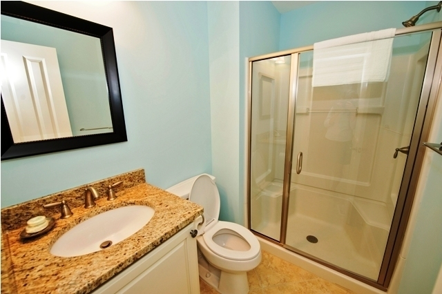 10-Surf-Scoter-Bathroom-3135-big.jpg