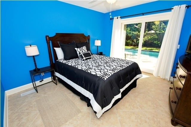 10-Surf-Scoter-Queen-Bedroom-3132-big.jpg