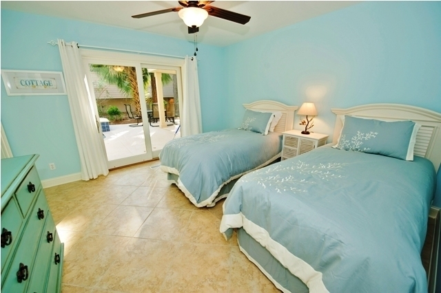 10-Surf-Scoter-Twin-Bedroom-3131-big.jpg