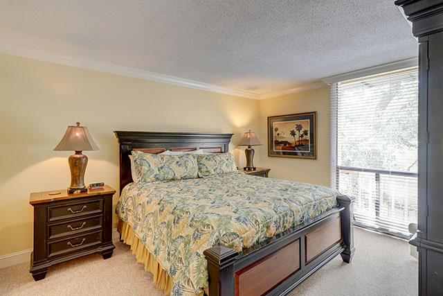 1033-Caravel-Court---Master-Bedroom-12748-big.jpg
