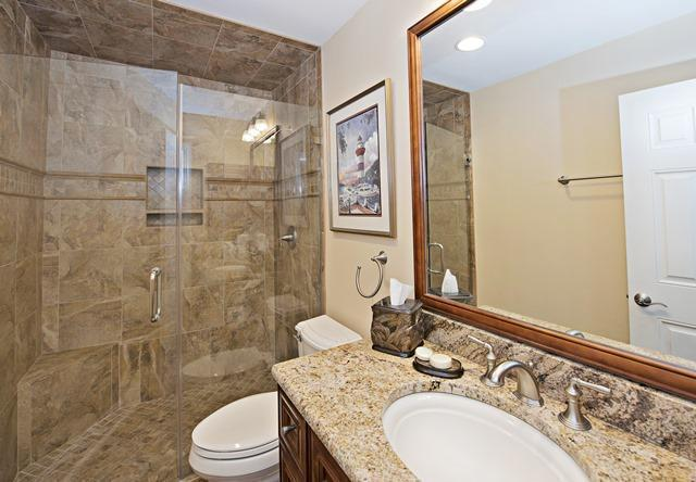 1036-Caravel-Court---Master-Bathrom-7055-big.jpg