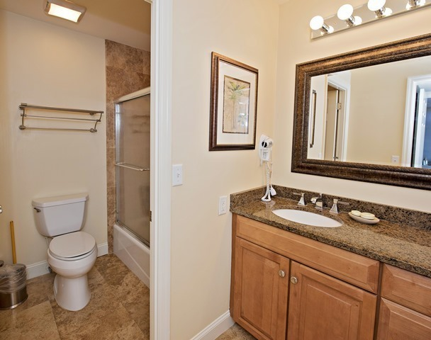 1042-Caravel-Court---2nd-Master-Bathroom-9388-big.jpg