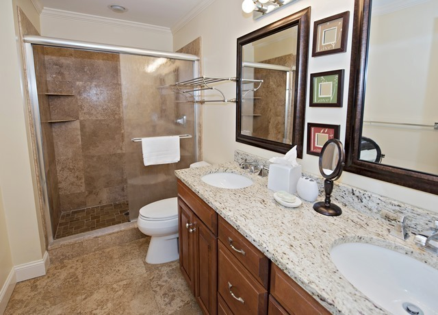 1042-Caravel-Court---Master-Bathroom-1394-big.jpg