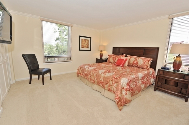 1044_Caravel_Court_Master_Bedroom1044cc109_big.jpg