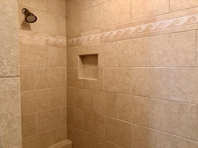 11-Ridgewood-Lane---Master--Bathroom-12313-big.jpg