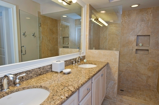 11-Turtle-Lane----Master-Bathroom-7609-big.jpg