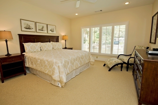 11-Turtle-Lane----Master-Bedroom-7607-big.jpg