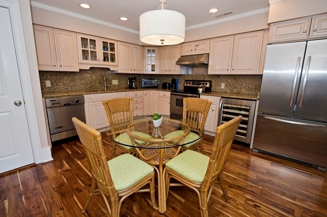 11-Turtle-Lane---Kitchen-7606-big.jpg