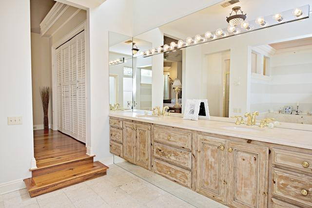 11-Windjammer-Court---Master-Bathroom-12086-big.jpg