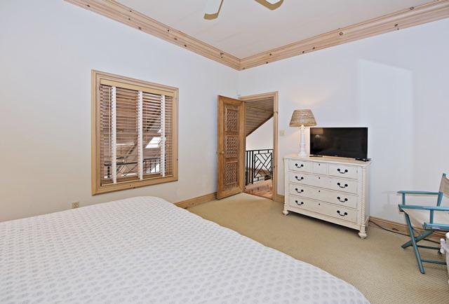 11-Windjammer-Court--2nd-Flr-King-Bedroom-12151-big.jpg
