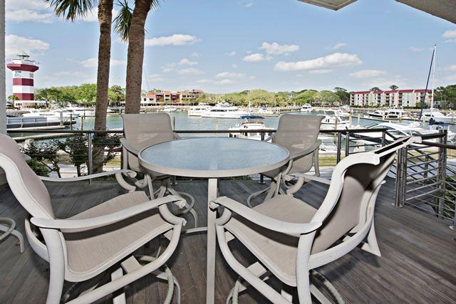 1116-Harbour-South-Club---Deck-with-Marina-View-11737-big.jpg