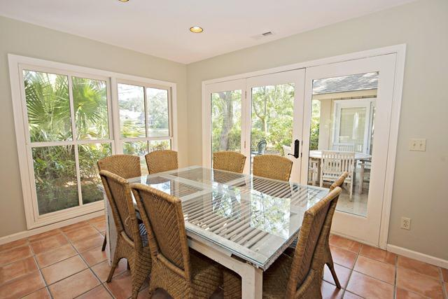 12-Baynard-Cove--Dining-Room-7342-big.jpg