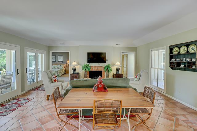 12-Baynard-Cove--Great-Room-13482-big.jpg