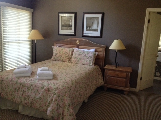 12-Baynard-Cove--Guest-Bedroom-3-7353-big.JPG