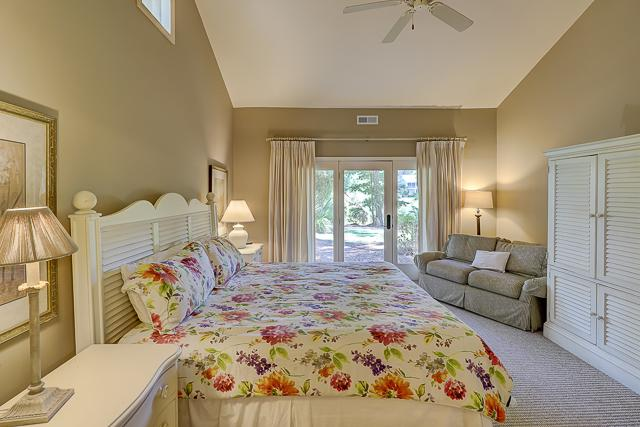 12-Baynard-Cove--Master-Bedroom-13489-big.jpg