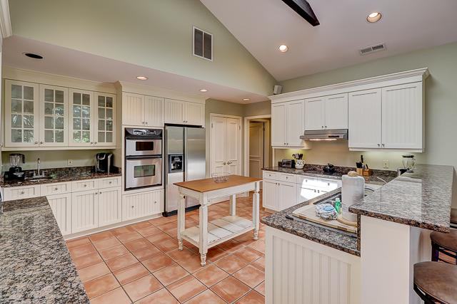 12-Baynard-Cove-Kitchen-13487-big.jpg