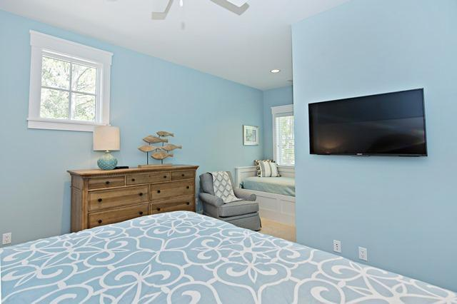 12-Seaside-Sparrow----3rd-Floor---Second-King-with-Twin-Bedroom-10984-big.jpg