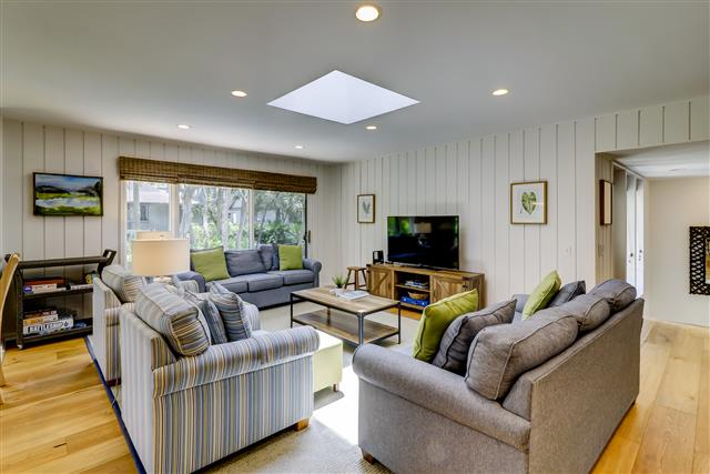13-Spotted-Sandpiper---Open-Living-Space-15987-big.jpg