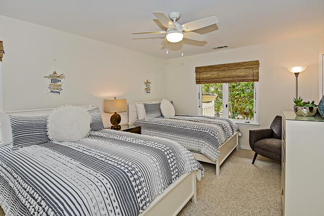14-Turnberry-Lane-Bedroom-Two-Doubles-13434-big.jpg