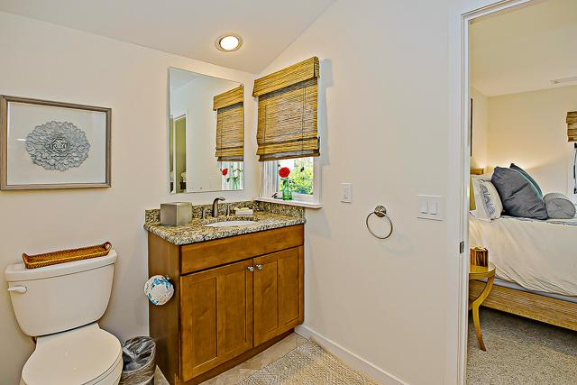 14-Turnberry-Lane-King-Bathroom-13432-big.jpg