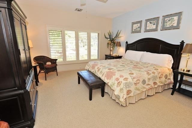 14-Turtle-Lane---Master-Bedroom-5027-big.jpg
