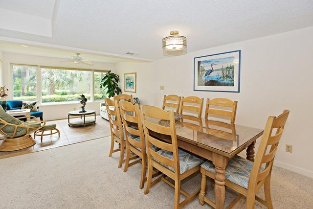 1409-South-Beach-Villas---Dining-Room-507-big.jpg