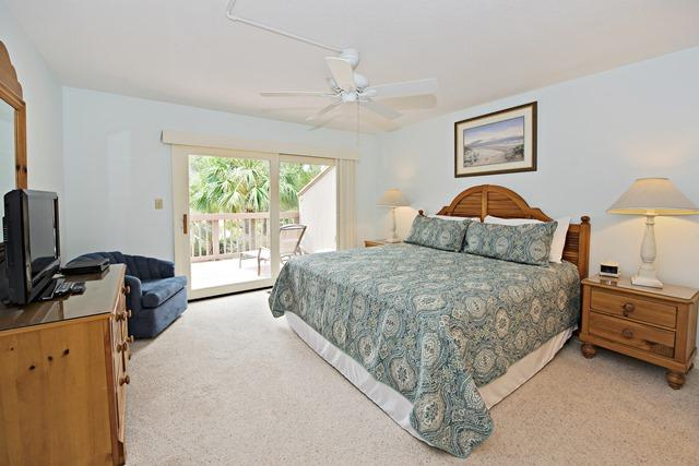 1409-South-Beach-Villas-Master-Bedroom-511-big.jpg