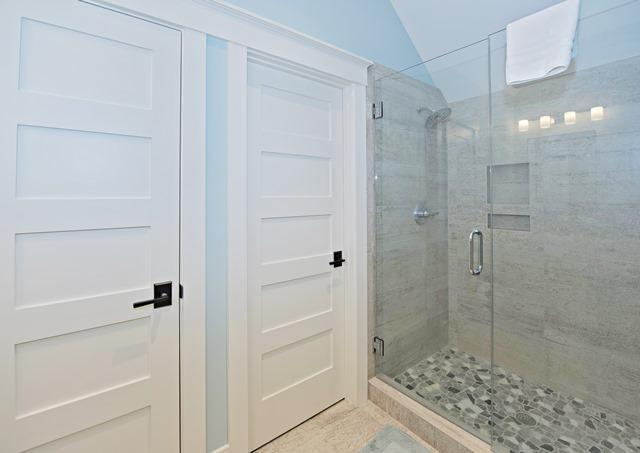 147-North-Sea-Pines-Drive---3rd--King-Bathroom-10563-big.jpg