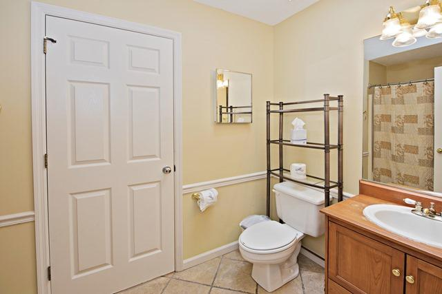 148-North-Sea-Pines-Drive---Guest-Bathroom-11503-big.jpg