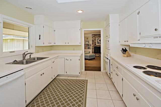 149-North-Sea-Pines-Drive---Kitchen-11458-big.jpg