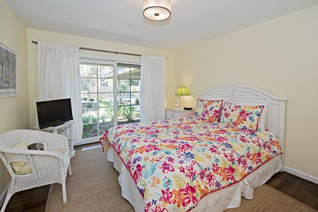 149-North-Sea-Pines-Drive---Queen-Bedroom-11465-big.jpg