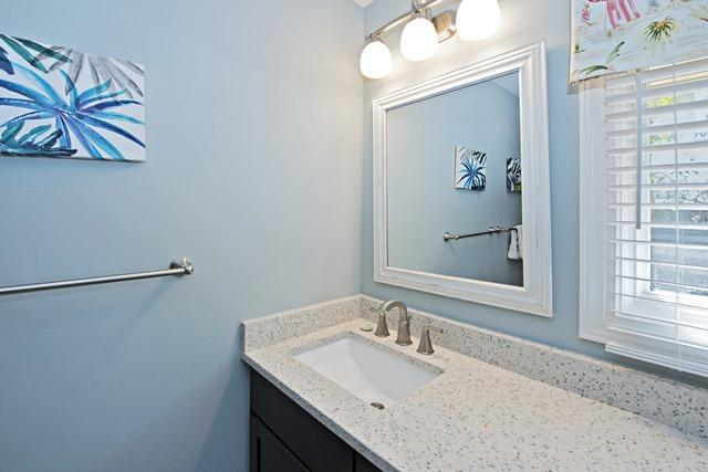 149-North-Sea-Pines-Drive-Hall-Bathroom-11466-big.jpg