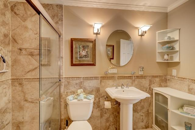 153-Harbourwood-Villa-Master-Bathroom-12353-big.jpg