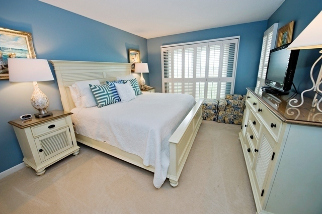 16-Mizzenmast-Court---King-Bedroom-2-7479-big.jpg