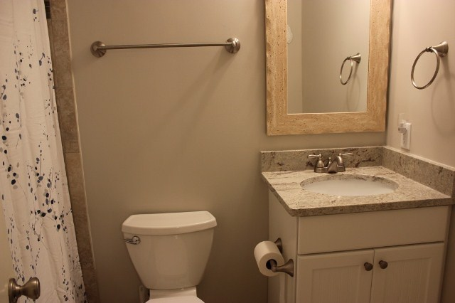 1617-Port-Villas---Guest-Bathroom-7231-big.JPG
