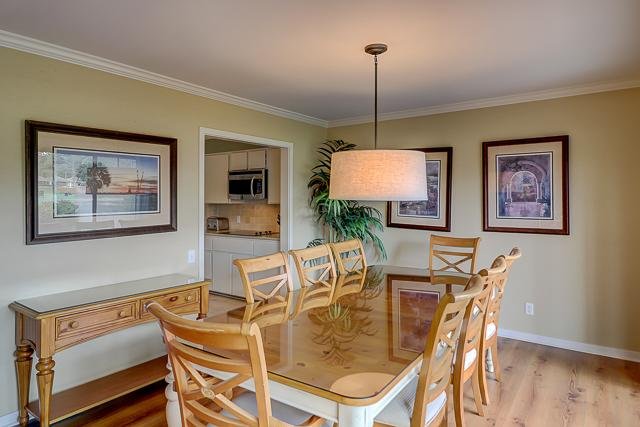 17-Windjammer-Court-Dining-Area-13698-big.jpg