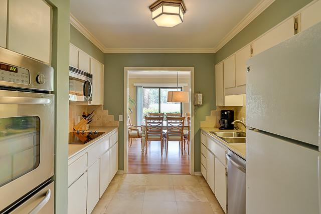 17-Windjammer-Court-Kitchen-13701-big.jpg