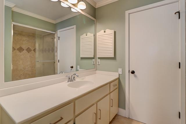 17-Windjammer-Court-Master-Bathroom-13702-big.jpg