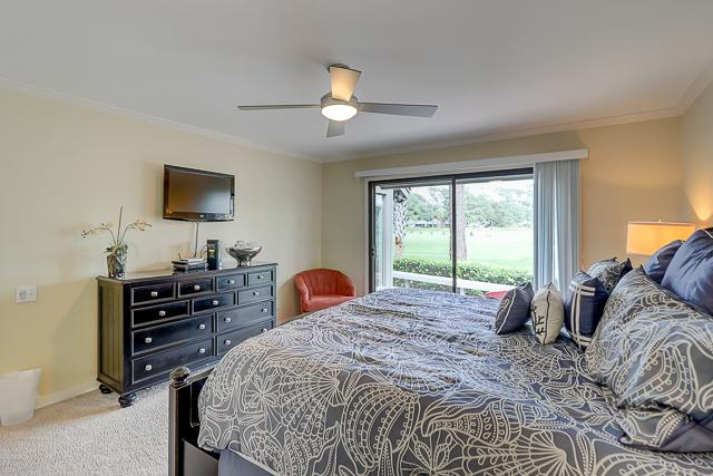 17-Windjammer-Court-Master-Bedroom-13699-big.jpg