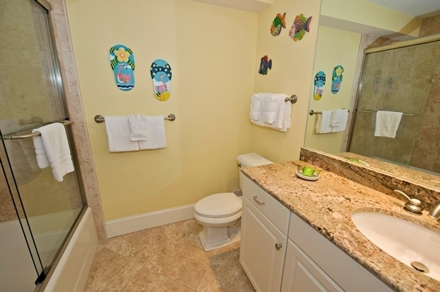 1716-Bluff-Villas---Guest-Bathroom-6931-big.jpg