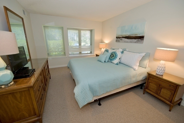 1722-Bluff-Villas---Master-Bedroom-7677-big.jpg