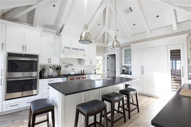 18-Bald-Eagle-Rd-OceanDunes---Kitchen-with-Ocean-View-and-Private-Deck-16911-big.jpg