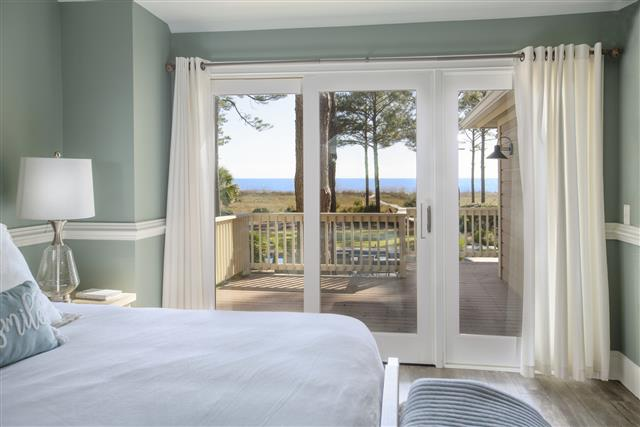18-Bald-Eagle-Rd-OceanDunes---Master-King-Suite-with-Ocean-View-and-Private-Deck-16913-big.jpg
