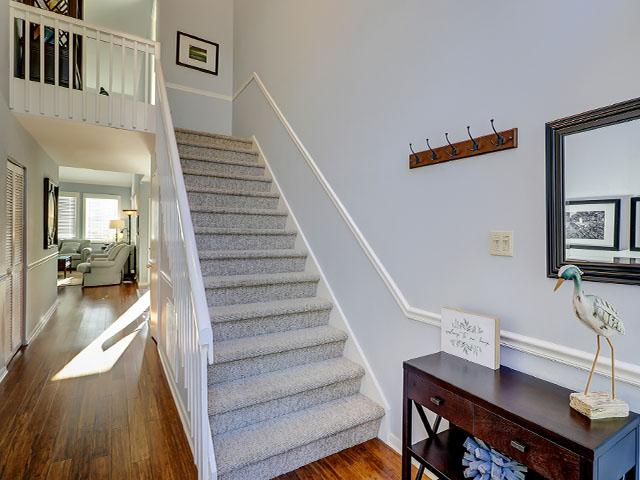 18-Spinnaker-Court---Stairs-Leading-to-2nd-Floor-12643-big.jpg