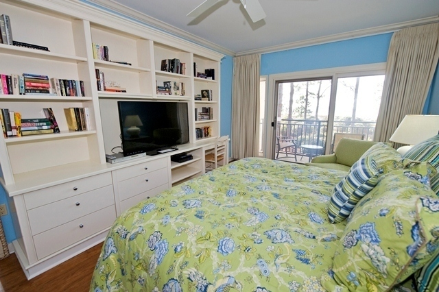 1826-Beachside-Tennis---Master-Bedroom-2-7204-big.jpg