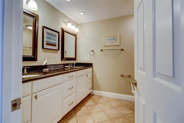 1829-Beachside-Tennis---Master-Bathroom-14256-big.jpg